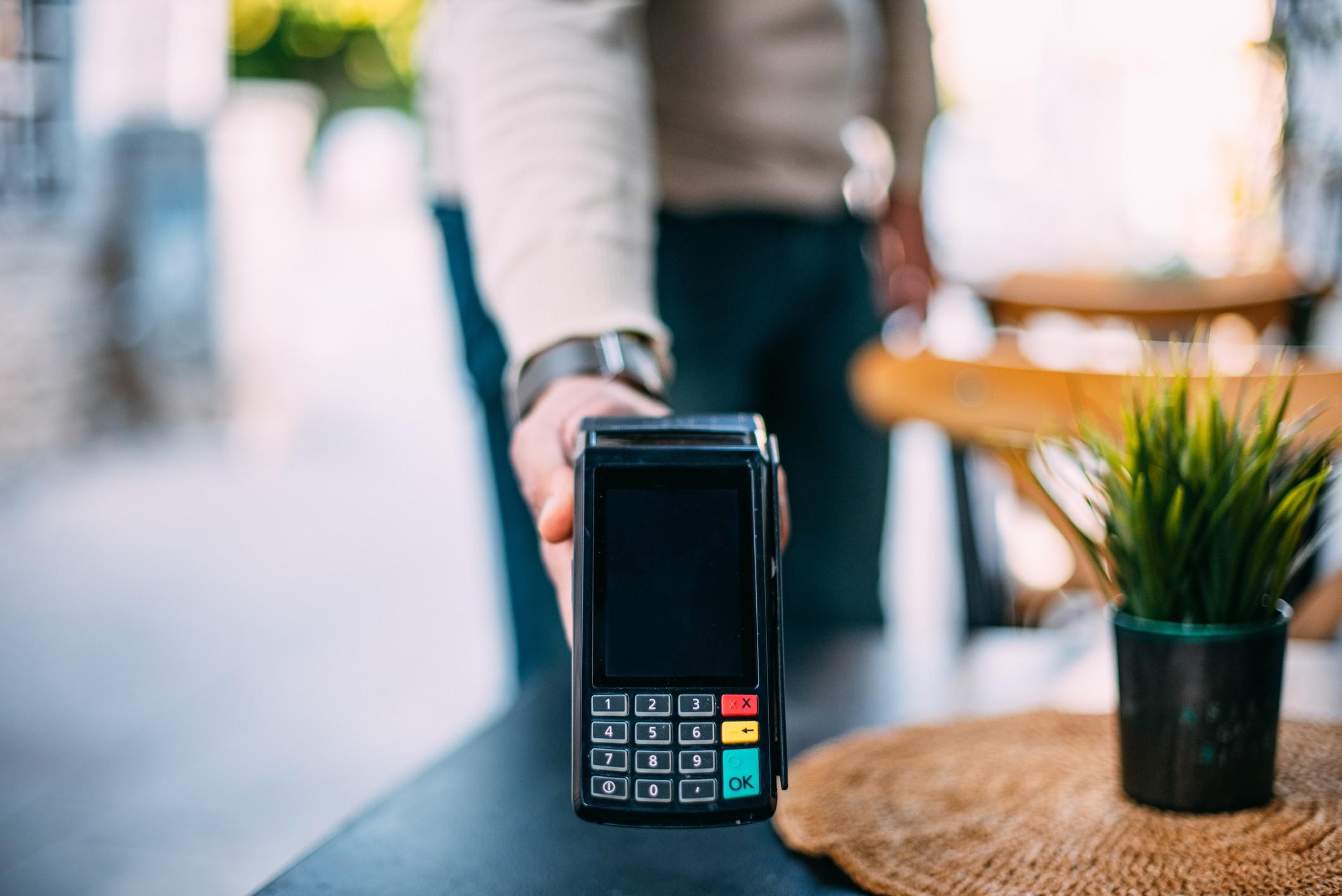 como adquirir máquina de cartão de crédito